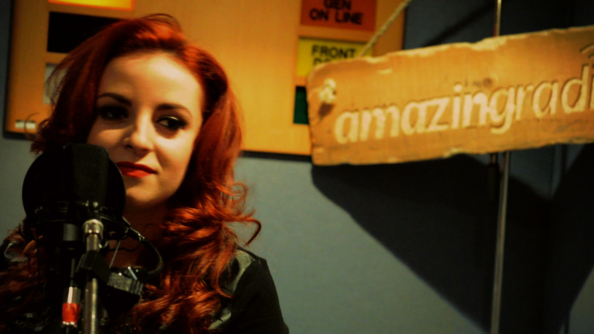 Beth Macari performing an acoustic session at Amazing Radio